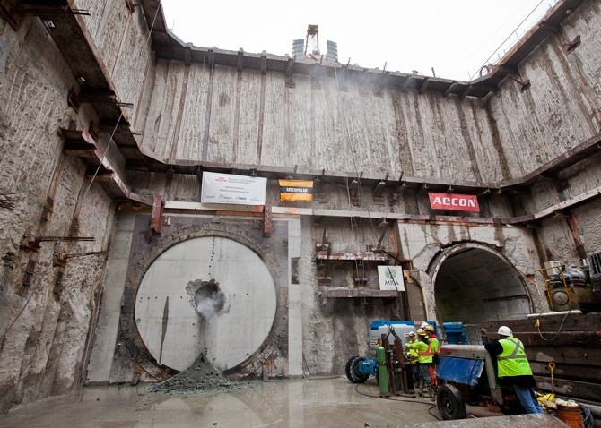 Toronto's Subway Extension Twin tunnels completed